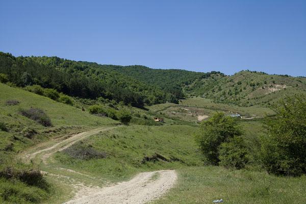 07.06. Von Berca zu den Vulcanii Noroioși fahren wir über eine tolle Strecke