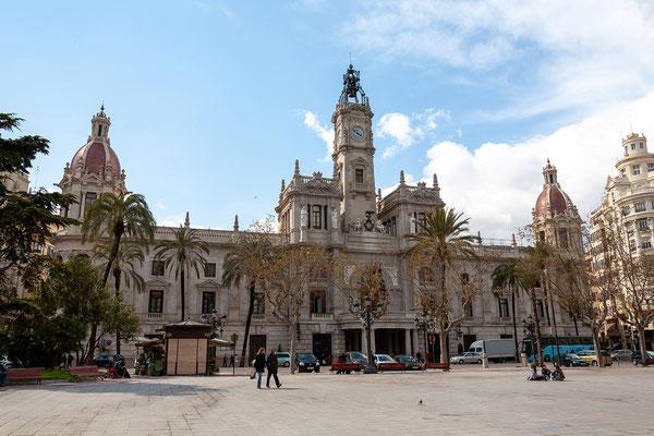 31.03. Plaza del Ayuntamiento (mit dem namensgebenden Rathaus)