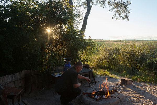 26.4. Mavunje; heute gibt es gegrillte Borewors mit Folienkartoffeln und gegrilltem Gemüse