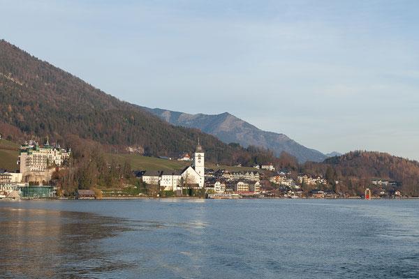 Blick auf St. Wolfgang vom Schiff aus.