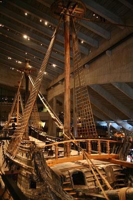 Vasamuseum: Die Vasa sank am Tag ihrer Jungfernfahrt (10.08.1628) im Hafen von Stockholm.