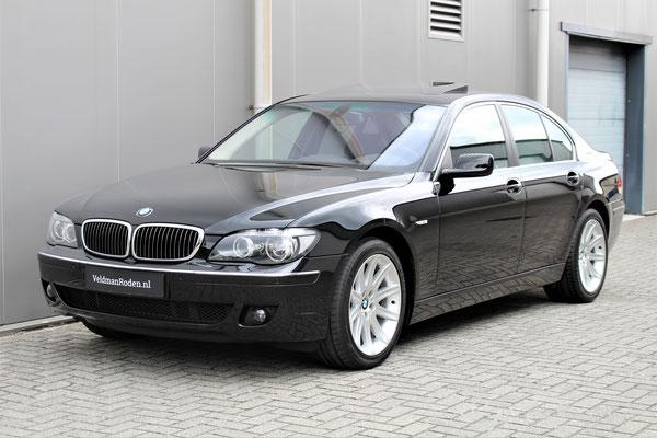 BMW 750i - 2005 - 33.250 km