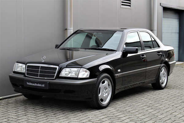 Mercedes-Benz C 180 Classic Selection - 2000 - 17.850 km