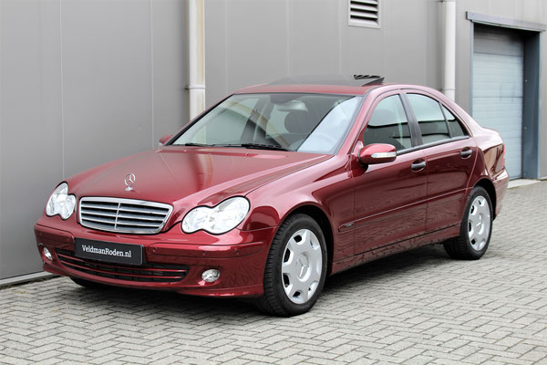 Mercedes-Benz C 180 Kompressor Classic- 2005 - 26.208 km