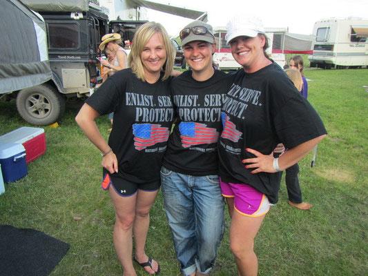 Girl Power mit den US National Guard Shirts