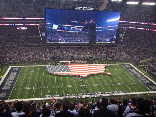 US Hymne mit Flagge