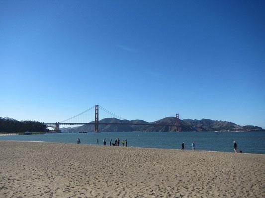 Golden Gate vom Strand aus