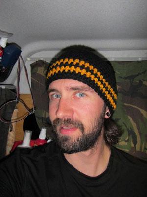 ...und faulenzen oder häkeln: Mike ready for Pittsburgh mit neuer Mütze