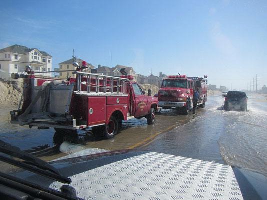 Auch die Feuerwehr ist im Einsatz