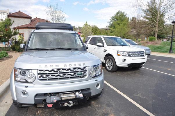 Man kann geführte Land Rover Touren durch die Wälder auf dem Biltmore Anwesen machen