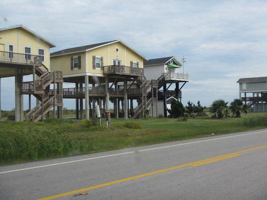 Galveston Island - Häuser auf Stelzen...hier haben schon viele Stürme getobt