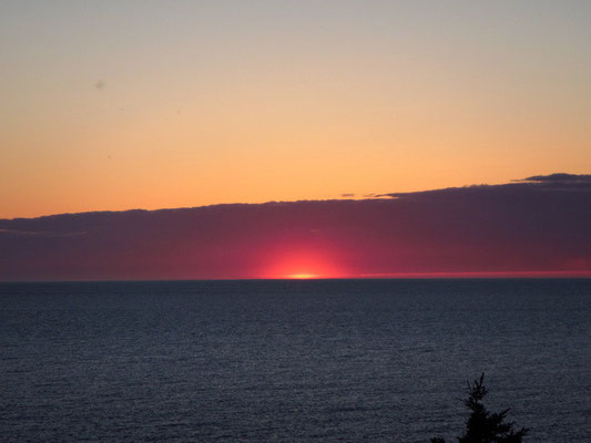 Neufundländischer Sonnenuntergang vor der Haustüre