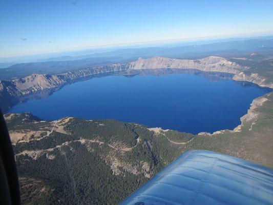 Flug über Crater Lake