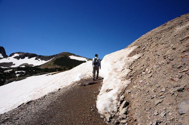 Durch den Schnee: Wanderung zum Hidden Lake