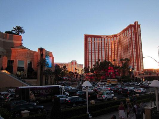 Las Vegas - bisschen viel Autos für uns :)