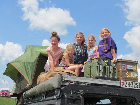 Die Kinder lieben unser Dachzelt..