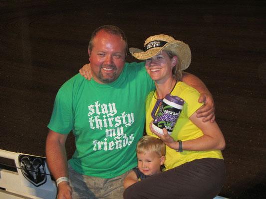 Anita und Toby mit Sohn