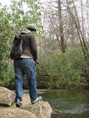 Los gehts mit Praxisübungen am Fluss