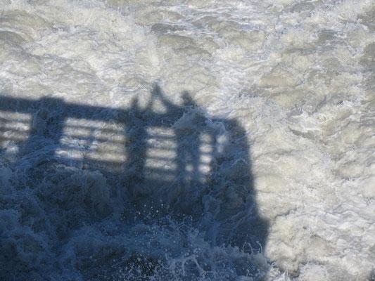 ..die Wellen sind riesig