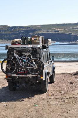 Bagheera im Hafen zum Fischen parkiert