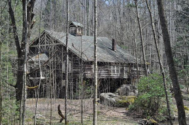 Alte Cabins, die jetzt verwarlosen
