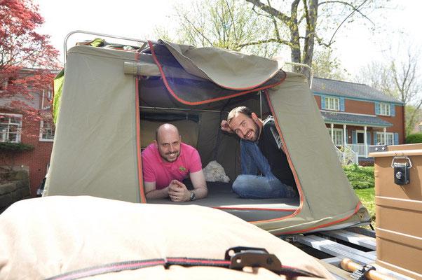 Sascha & Mike im Dachzelt