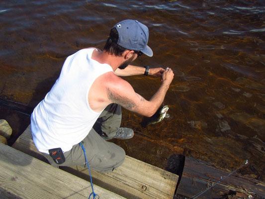 Mike am fischen im Fish Creek Pond direkt vor der Haustüre