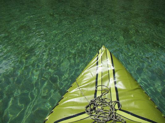 klares Wasser in Bergsee