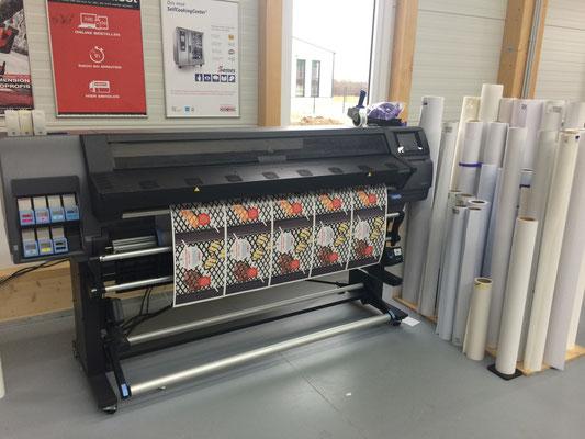 Unser neuester Großformatdrucker mit Latex-Tinte (Geruchs und Geschmacksneutral)