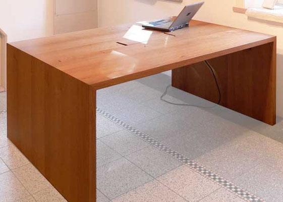 Schreibtisch, Steckdosenmodul, Eiche geölt