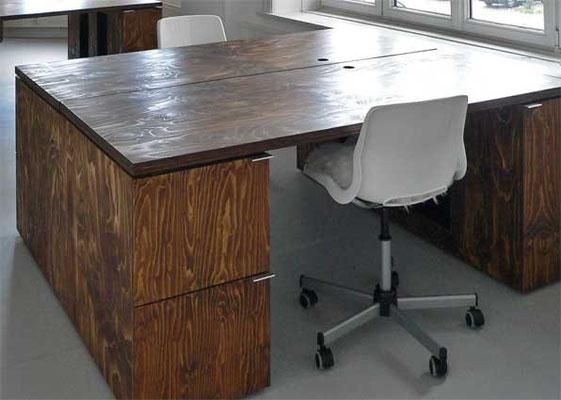 Schreibtisch, Hängeregisterauszüge, Sperrholz geölt
