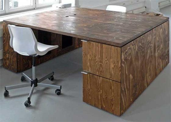 Schreibtisch, beidseitig nutzbar, Auszüge, Sperrholz, geölt