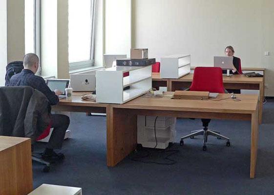 Schreibtisch, Datentank, Eiche geölt