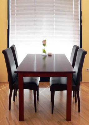 Tisch; Buche; gebeizt, lackiert