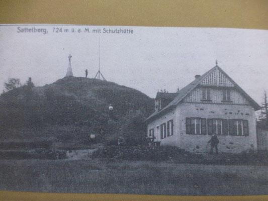 So sah es hier früher aus - das Gasthaus verfiel nach dem 2. Weltkrieg. Heute sieht man nur noch einige Grundmauern. Schade eigentlich...