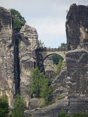 Die Basteibrücke zählt zu den Wahrzeichen der Sächsischen Schweiz