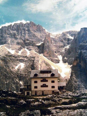 Die Zsigmondyhütte