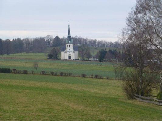 Blick zur Kirche von Eibenberg