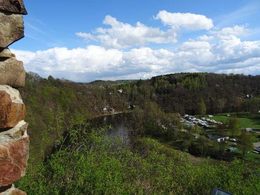 Blick vom Raubschloß hinunter ins Tal