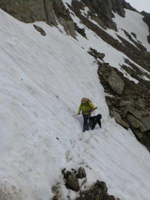 Vorsicht ist geboten beim Queren solcher steilen Schneefelder