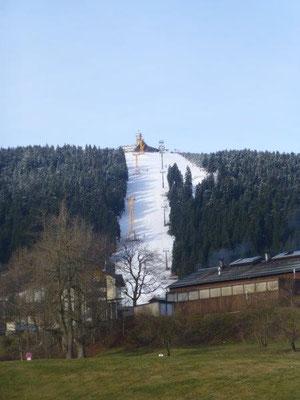 Blick von Oberwiesenthal zum Fichtelberg
