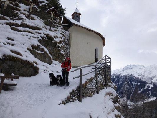 Die Allerheiligenkapelle oberhalb von Virgen