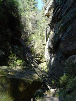 Eisentreppe in der Dorfbachklamm