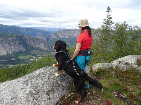 Selma und ich beim Aufstieg zum Valefjell