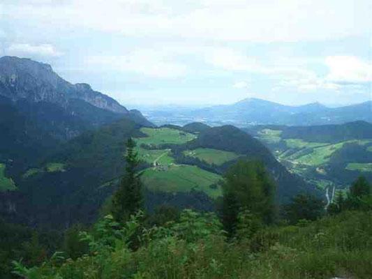 Blick auf Ettenberg mit Untersberg und Salzburg