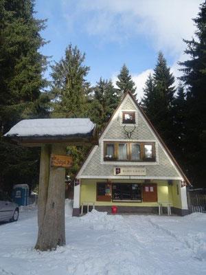 Ein netter kleiner Imbiss am Eingang zum Bergsee