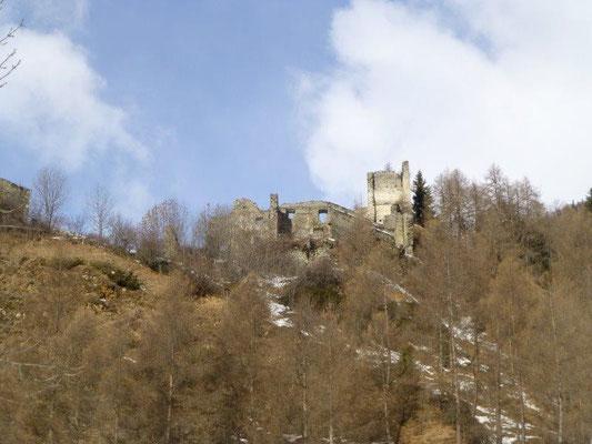Die Burgruine Rabenstein...