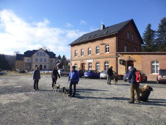 Start am Bahnhof in Jöhstadt