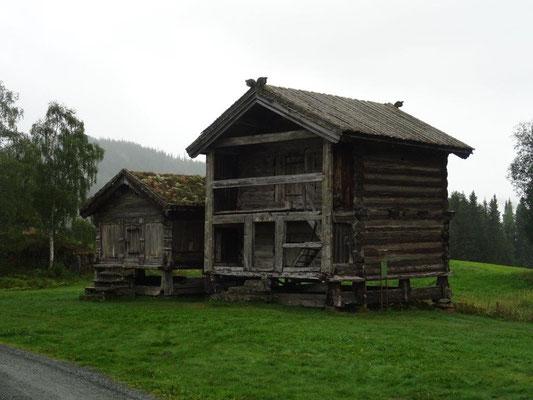Im Freilichtmuseum in Eidsborg findet man den ältesten weltlichen Holzbau Europas aus dem Jahre 1229