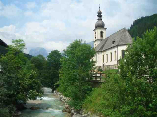 Blick zur Ramsauer Kirche